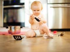 Zo maak je je keuken babyveilig