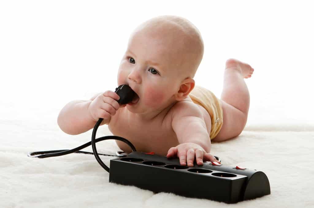 Stopcontacten babyveilig maken